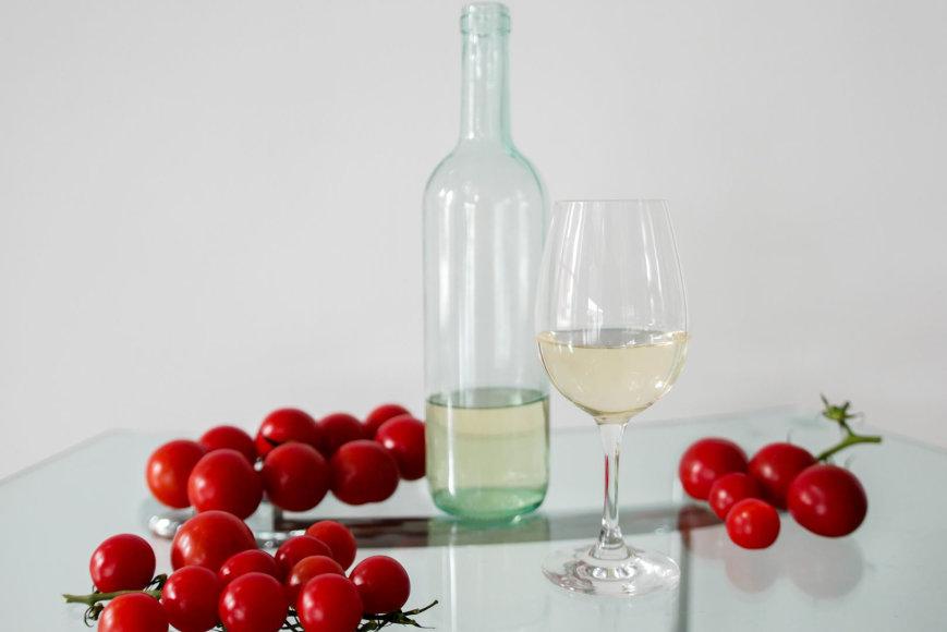 Projekto partnerio nuotr./Pomidorų vynas