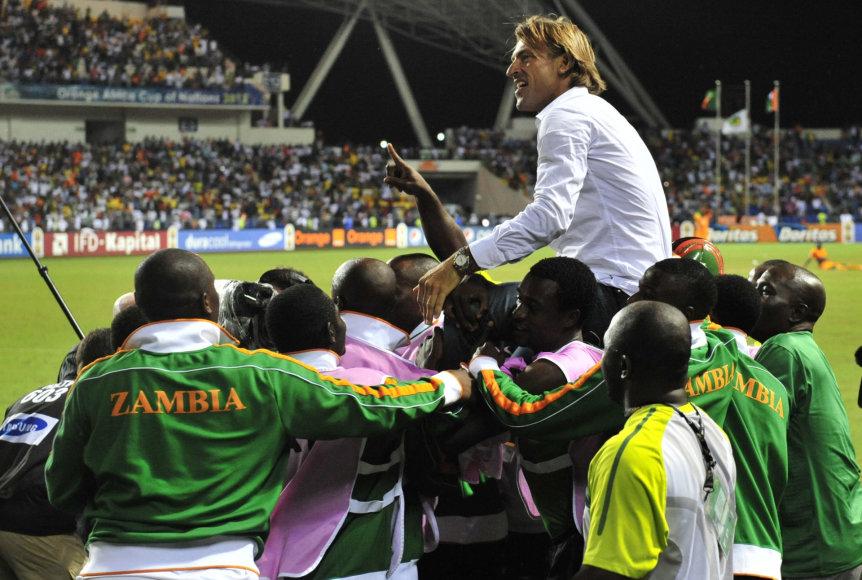 """""""Scanpix"""" nuotr./Herve Renardas ir Zambijos rinktinė švenčia visų laikų svarbiausią pergalę"""