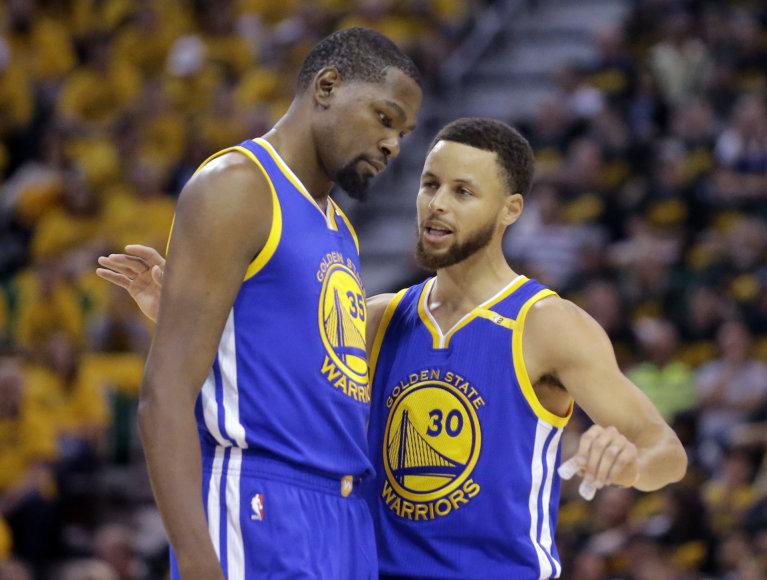 """""""Scanpix"""" nuotr./Kevinas Durantas ir Stephenas Curry"""