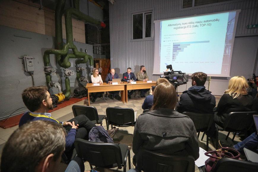 Vidmanto Balkūno / 15min nuotr./Lietuvos autoverslininkų asociacijos spaudos konferencija