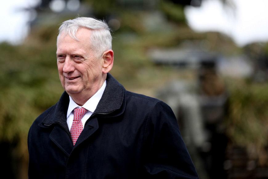 Vidmanto Balkūno / 15min nuotr./JAV Gynybos sekretoriaus J. Mattis vizitas  poligone Pabradėje