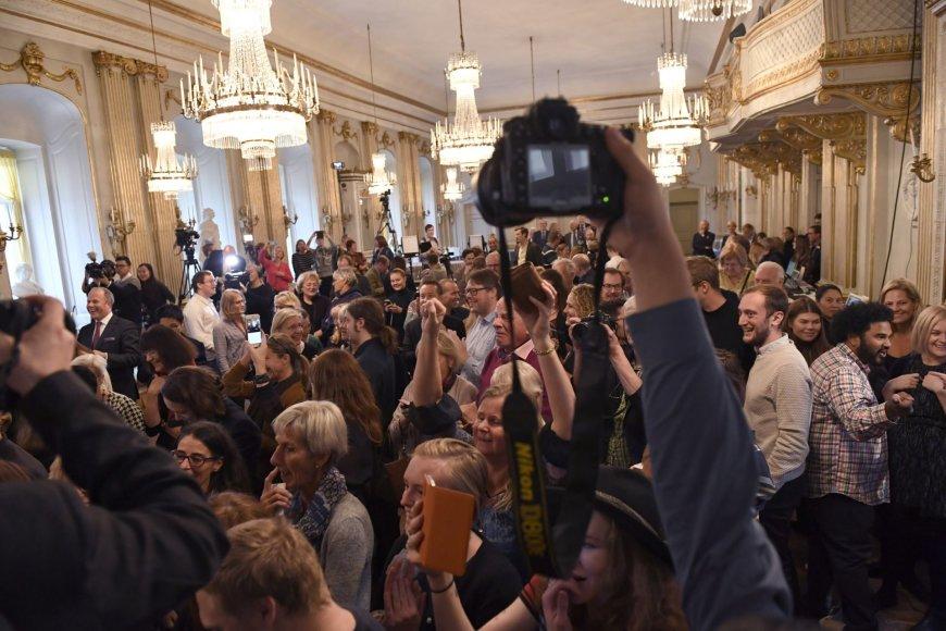 """""""Scanpix"""" nuotr./Žurnalistų reakcija paskelbus premijos laureatą"""