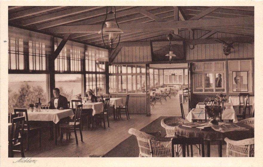 """""""Facebook"""" grupės """"Lietuva senose fotografijose"""" nuotr./Nida. Hermano Blodės viešbutis, 1934 m."""