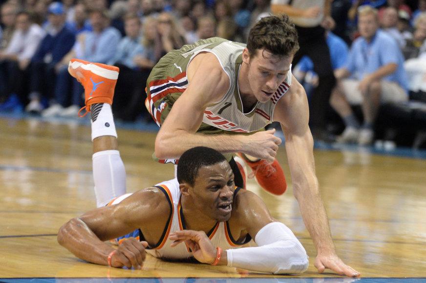 """AFP/""""Scanpix"""" nuotr./Russellas Westbrookas ir Goranas Dragičius"""