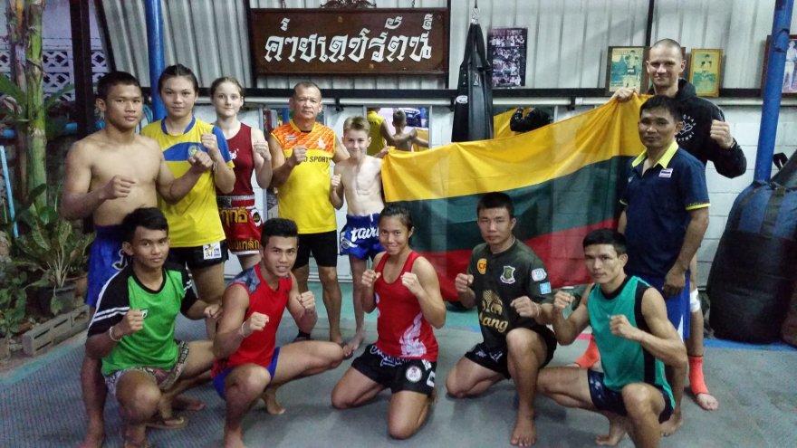 Andrejaus Zemitano nuotr./Lietuvos jaunimo muaythai rinktinė pasaulio čempionate Tailande
