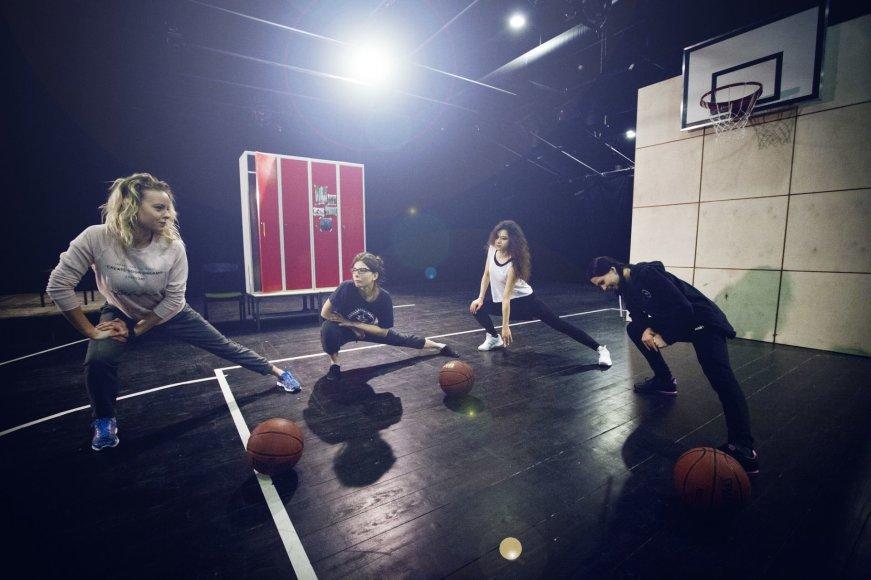 """Donato Stankevičiaus nuotr./Moterų mėgėjų krepšinio komanda """"Žalgirės"""""""