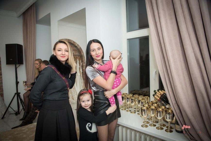 Loretos Kondratės nuotr./Gabrielė Grygolaitytė-Vasha su dukra Adrija ir Viktorija Mauručaitė