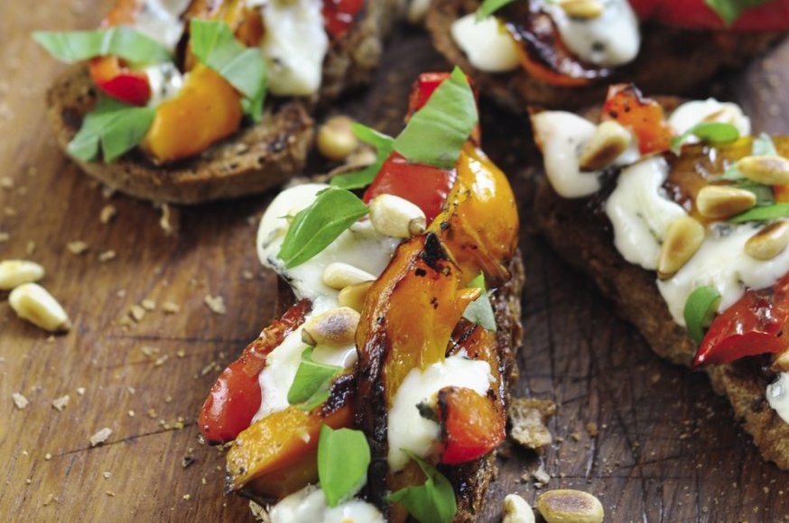 Brusketa su paprikomis ir gorgonzola