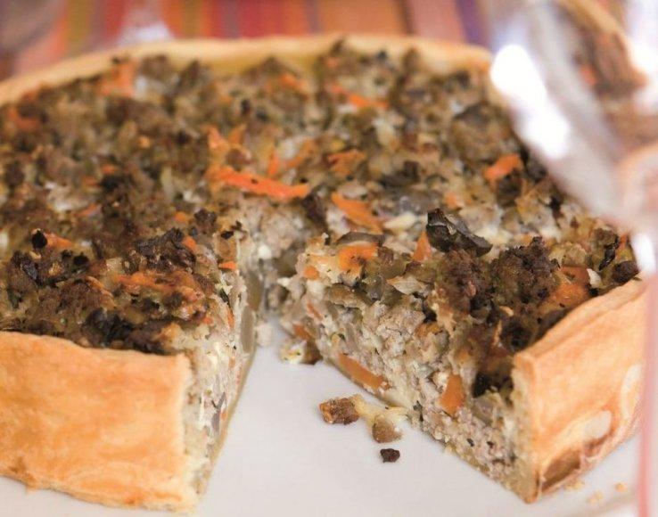 Mėsos ir grybų pyragas