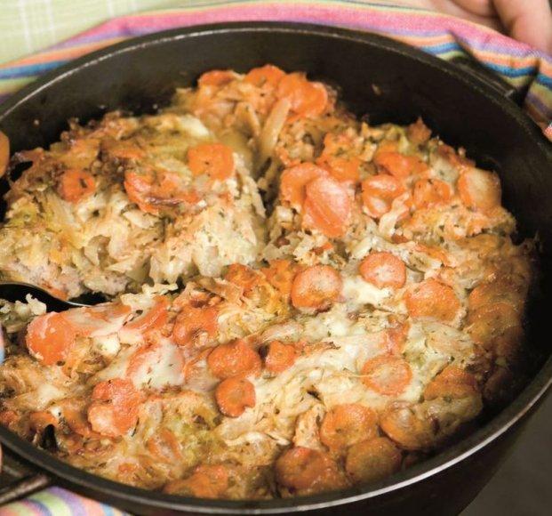 Kopūstų, ryžių ir faršo apkepas