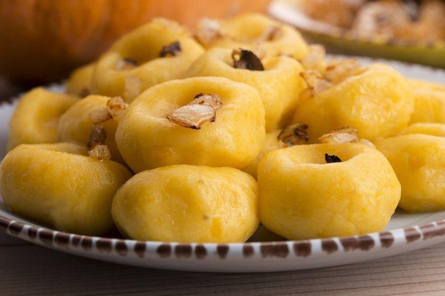Lenkiški bulvių ir moliūgų kukuliai