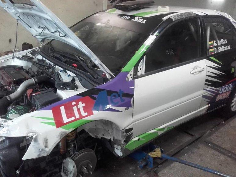 """Giedriaus Notkaus nuotr./""""Mitsubishi Lancer EVO IX"""" remontas"""