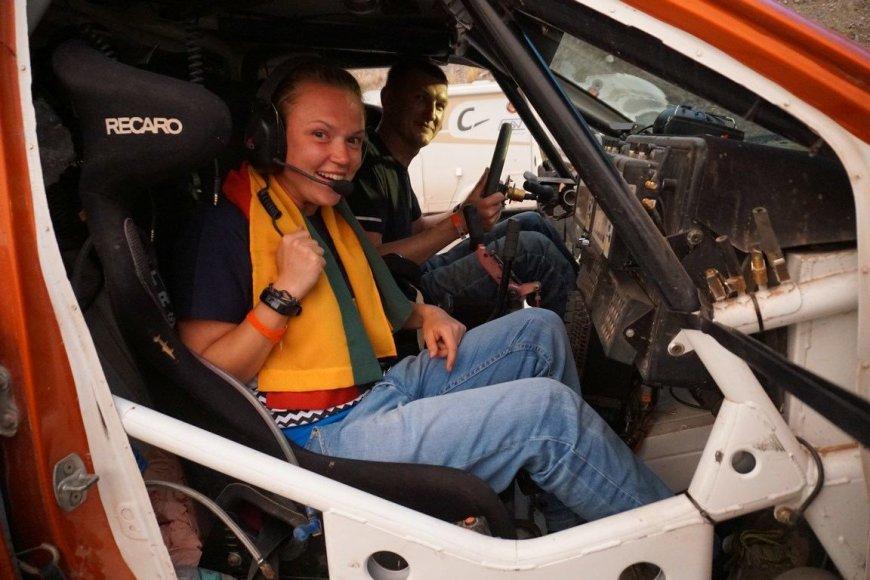 2wheeledadventures.com nuotr./Susitikimas Dakaro bivake