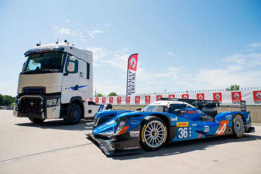 """""""Renault"""" nuotr./""""T High Edition – Team Alpine"""" sunkvežimis"""