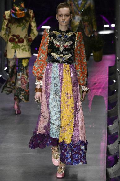 """Vida Press nuotr./""""Gucci"""" 2017–2018 m. rudens-žiemos kolekcijos modelis"""