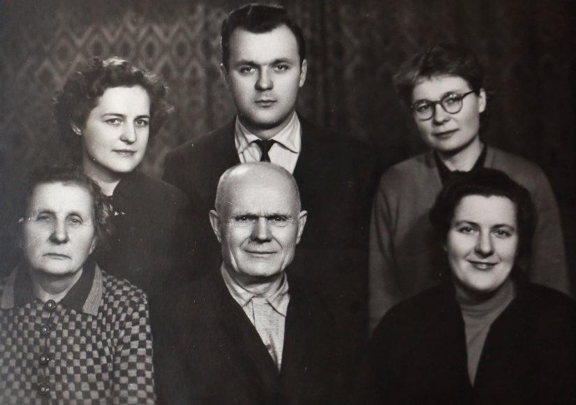 Šeimos nuotrauką/Birutės ir Lilijos šeima