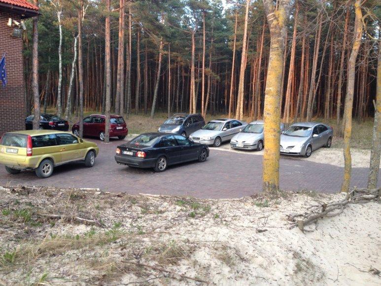 "Automobiliai Palangos kopose: ""Chateau Amber"" vila , Naglio alėja"