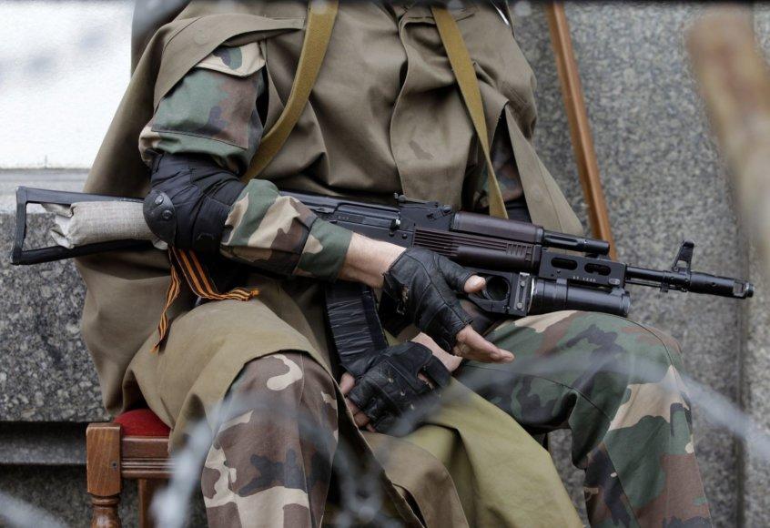 Ginkluotas prorusiškas separatistas Luhanske