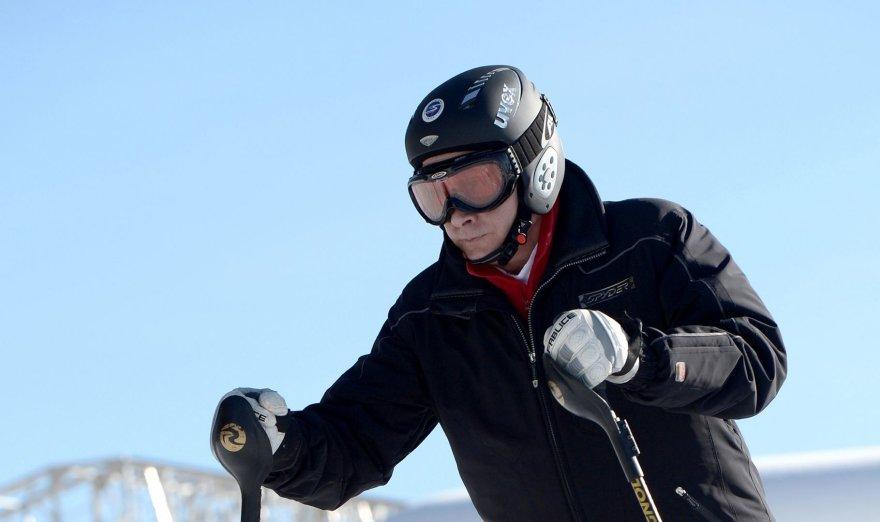 V.Putinas Sočyje išbandė kalnų slidinėjimo trasą 2014 m. sausio 04 d.