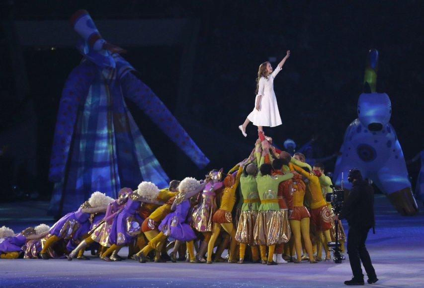 Sočio olimpinių žaidynių atidarymo simbolis – mergaitė Meilė