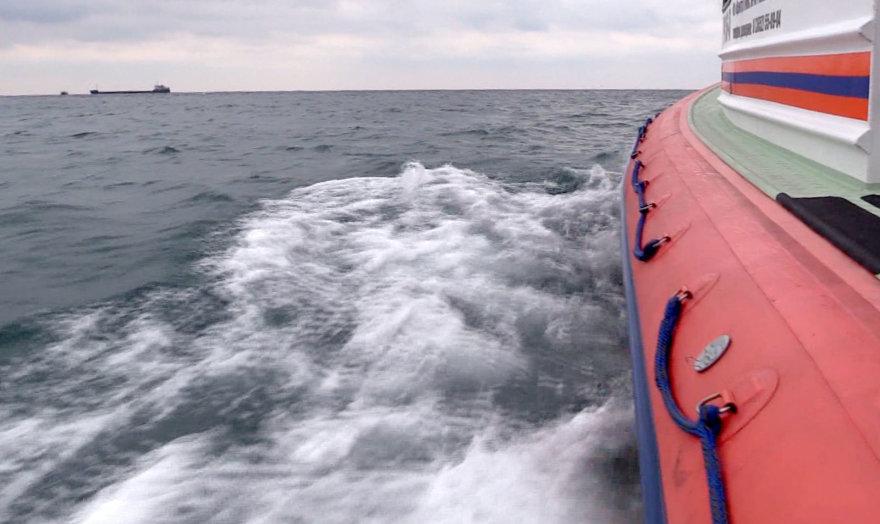 Juodojoje jūroje ieškoma nuskendusio laivo įgulos narių