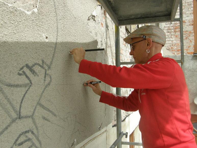 Marijampolėje užsienio menininkai piešia ant sienų