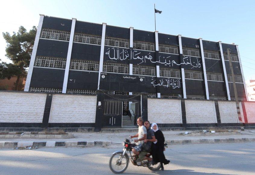 """Tai, ką po savęs palieka iš Sirijos stumiami """"Islamo valstybės"""" džihadistai"""
