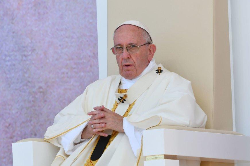 Popiežius Pranciškus aukoja mišias Lenkijoje