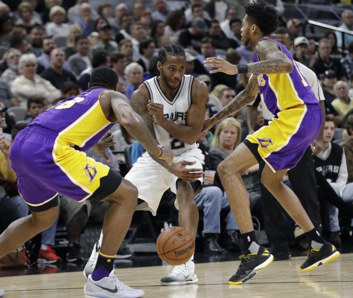 """Kawhi Leonardas su komanda pažemino """"Lakers"""""""