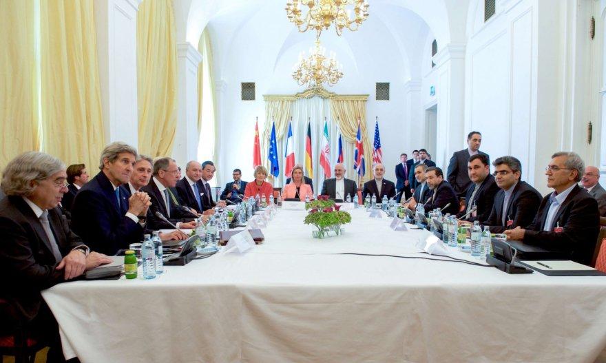 Galingųjų šalių užsienio reikalų ministrai pradėjo lemiamas derybas dėl Irano branduolinės programos