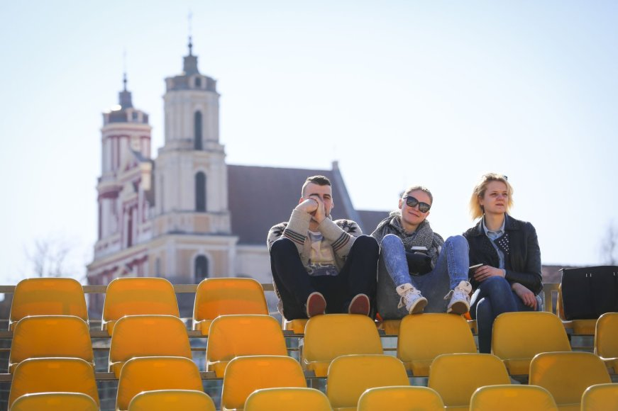 Pavasariškai saulėta diena Vilniuje