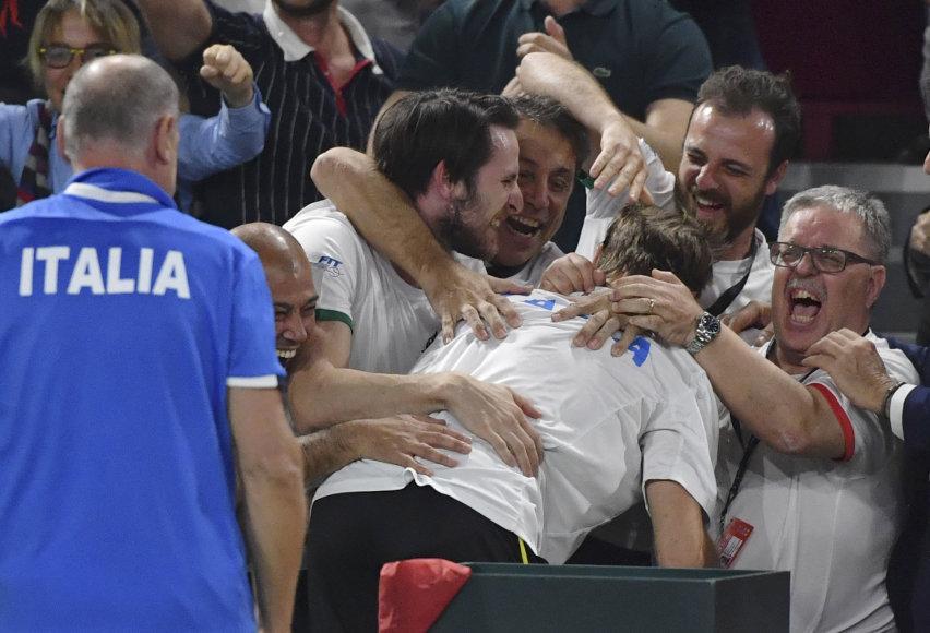 """""""Scanpix"""" nuotr./Italijos teniso rinktinė džiaugiasi pergale dramtiškame dvejetų mače su Belgijos rinktine"""