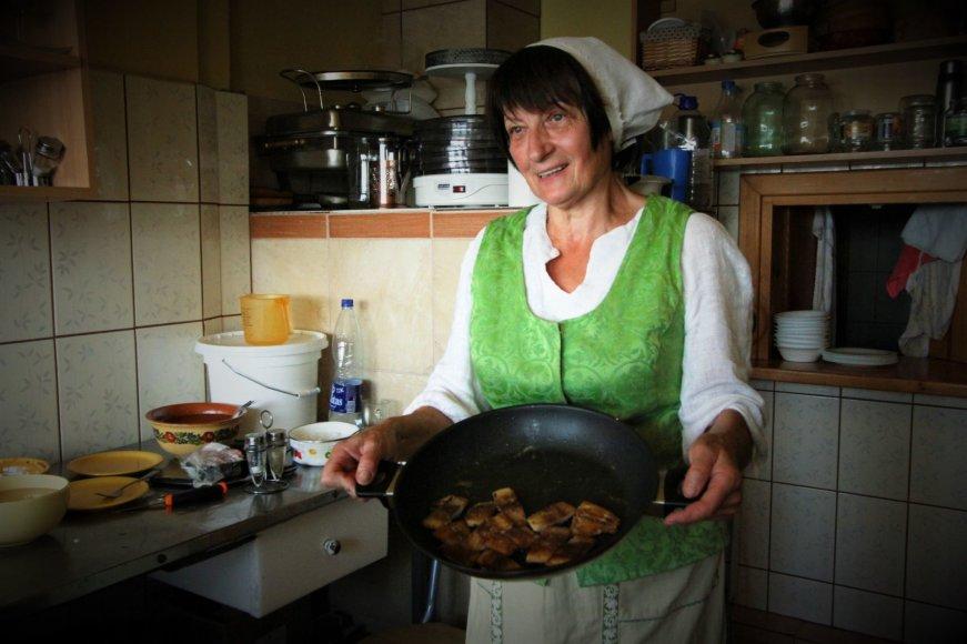 Kristina Vančienė. Jurbarbo kulinarinis paveldas – kepta silkė ir mirkalas.