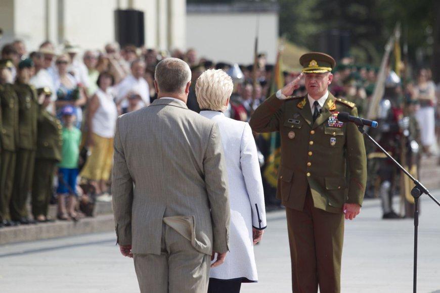 Kariuomenės vado prisaikdinimo ceremonija.