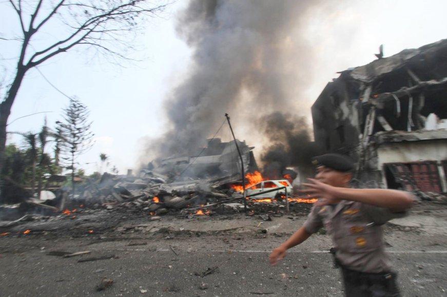 Indonezijos karinio transporto lėktuvo katastrofa