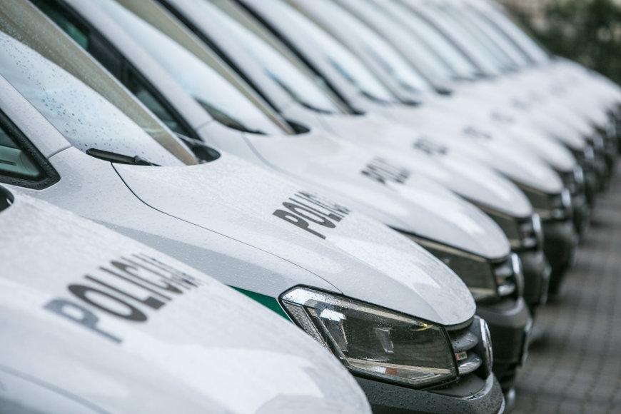 Policija parodė, kaip atrodo 20 naujų tarnybinių automobilių