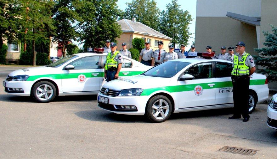 Radviliškio savivaldybės dovana policijai – trys automobiliai