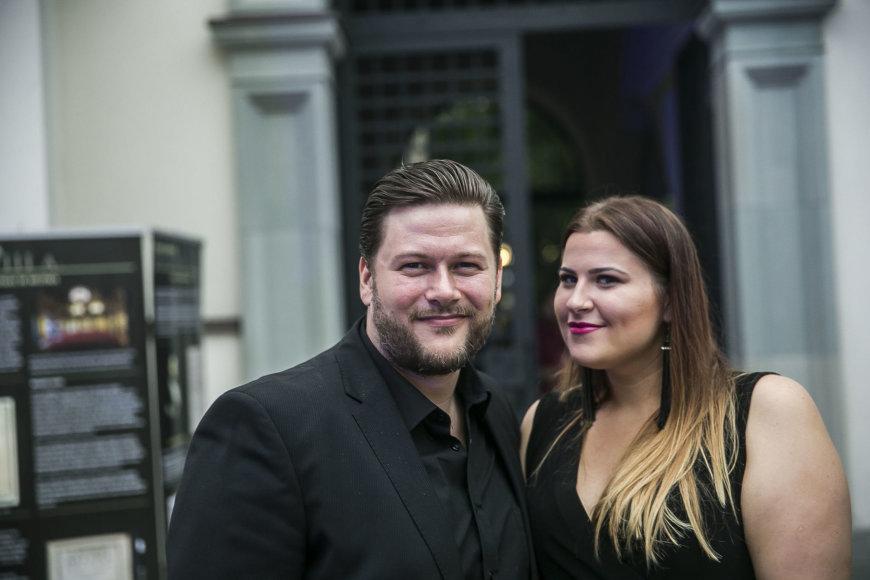 Viganto Ovadnevo/Žmonės.lt nuotr./Merūnas ir Erika Vitulskiai