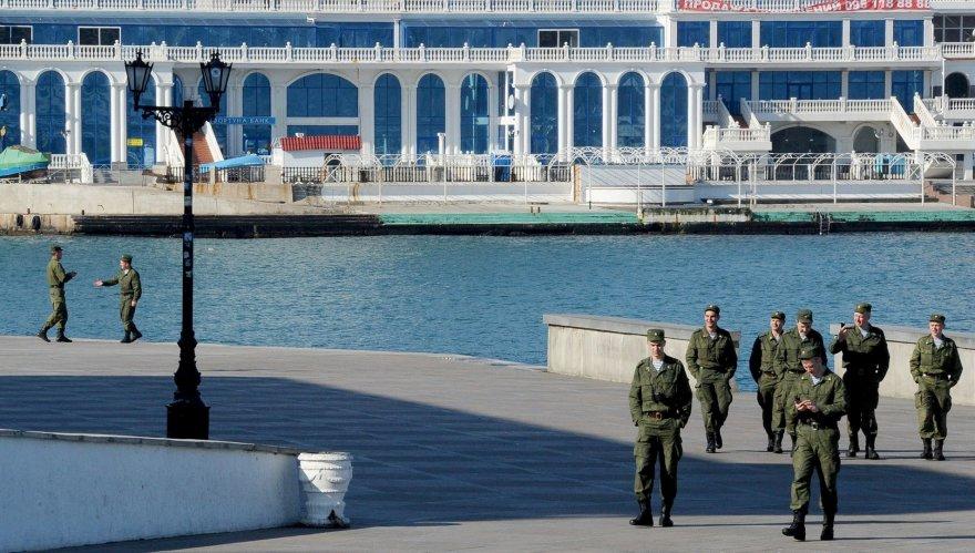 Įvedusi savo karius, Maskva Krymui žada ir turistų