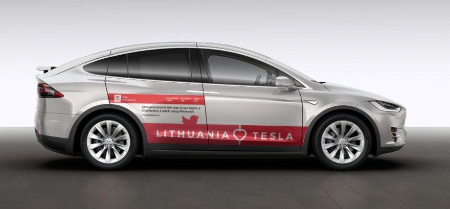 """Vlado Lašo """"Tesla Model X P100D"""" reklaminis maketas"""