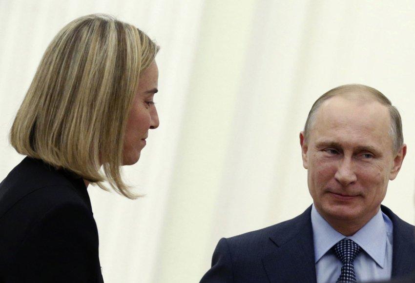 Rusijos prezidentas Vladimiras Putinas ir Italijos užsienio reikalų ministrė Federica Mogherini