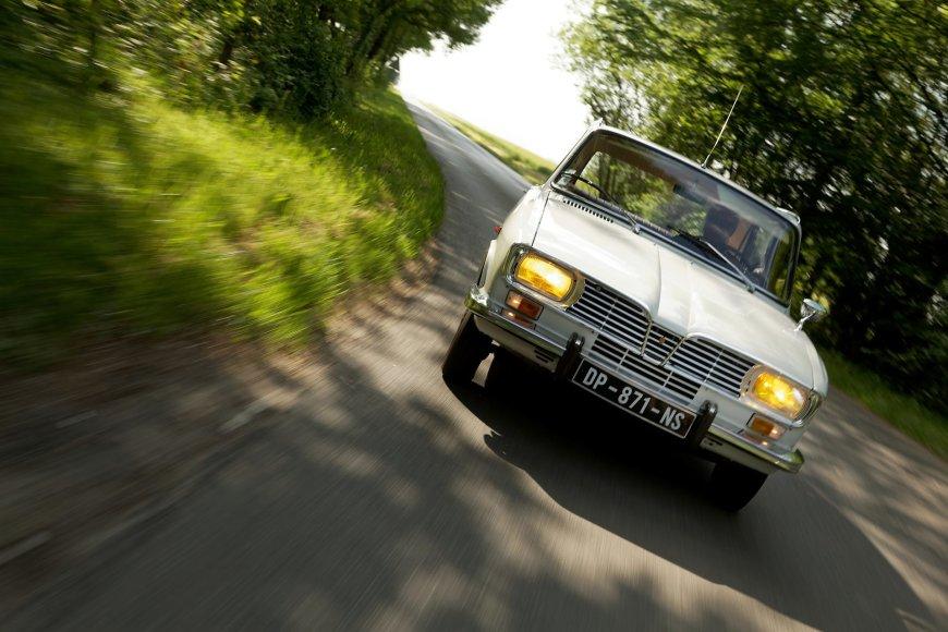 """Renault 16"""