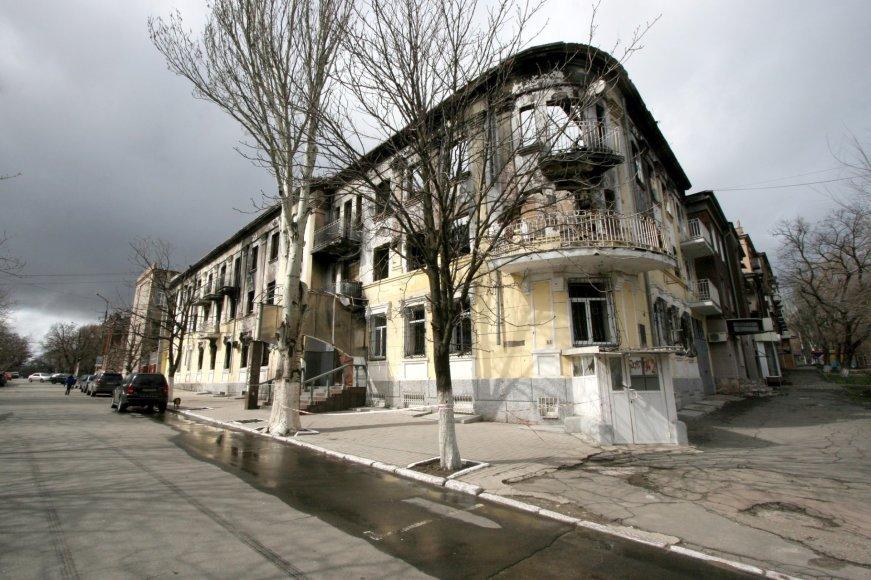 Karo padariniai Mariupolyje matomi iki šiol
