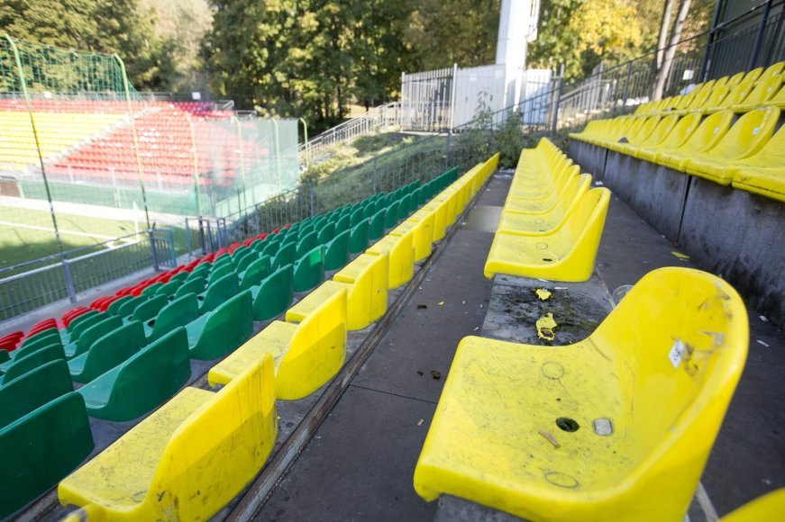 Tribūna, kurioje renkasi ištikimiausi Lietuvos futbolo rinktinės gerbėjai