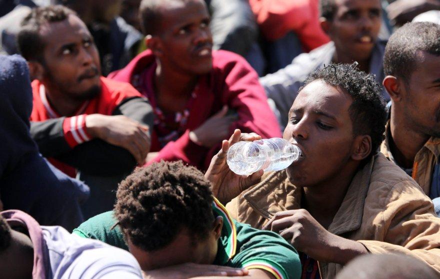 Kasmet į Europą mėgina patekti tūkstančiai nelegalių migrantų.