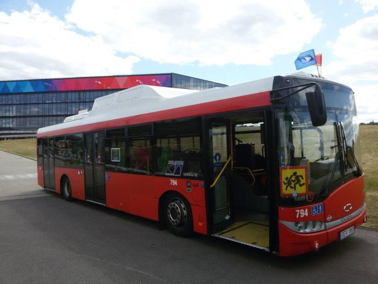 """""""Kauno autobusų"""" šventinis gimtadienio autobusas"""