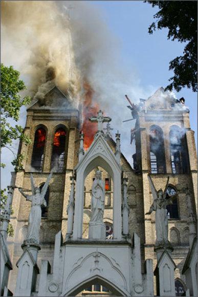 Naujamiesčio bažnyčios gaisras