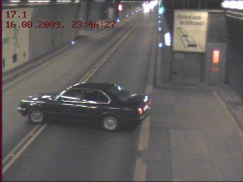 Stebėjimų kamerų užfiksuotas pažeidimas Gotardo tunelyje
