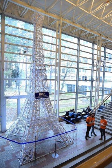 VGTU iškilo vienas žymiausių Paryžiaus simbolių – Eifelio bokštas