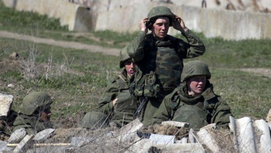 Российские военные блокировали военно-морскую базу в Феодосии